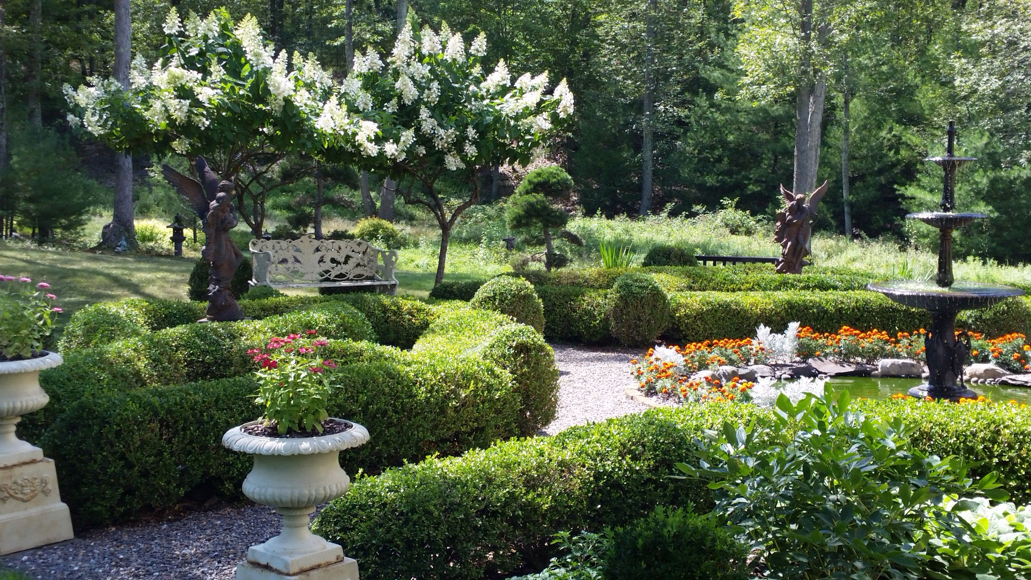 Creative landscape design creative landscaping ideas hgtv for Creative landscape design